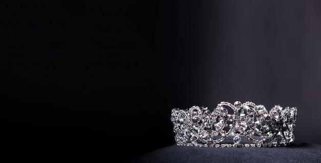 ミスページェント美人コンテストのためのダイヤモンドシルバークラウン