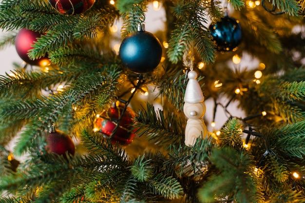ライト、クリスマスツリーのクリスマスツリーのおもちゃクローズアップ