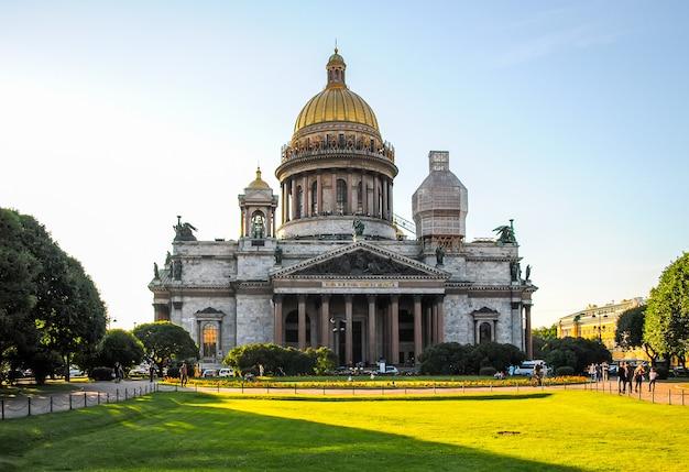 サンクトペテルブルクの聖イサアク大聖堂の修復。