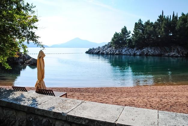 モンテネグロの美しいビーチ