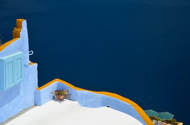 サントリーニ島 - リラックスした夏の休暇のための美しい場所
