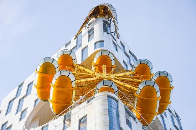 近代的な建物の黒海沿岸が一般に公開されました。