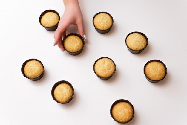 Много кексов без крема