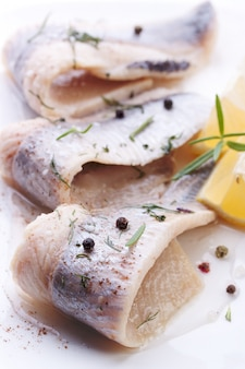Рыба с перцем шаров близко