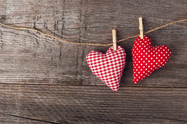 Текстильные сердечки на деревянный