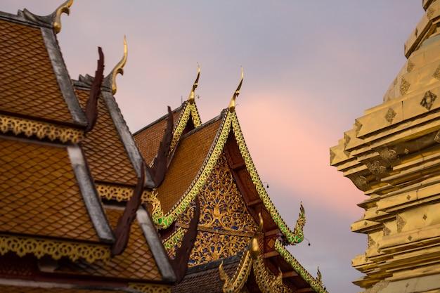 タイの金寺院
