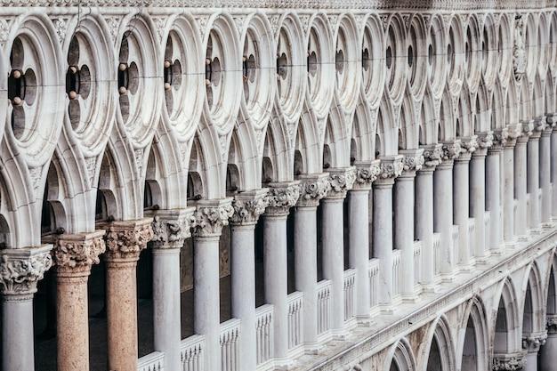 ヴェネツィアの建物のクローズアップ