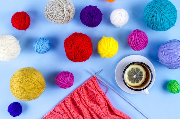 Спицы, нитки для вязания