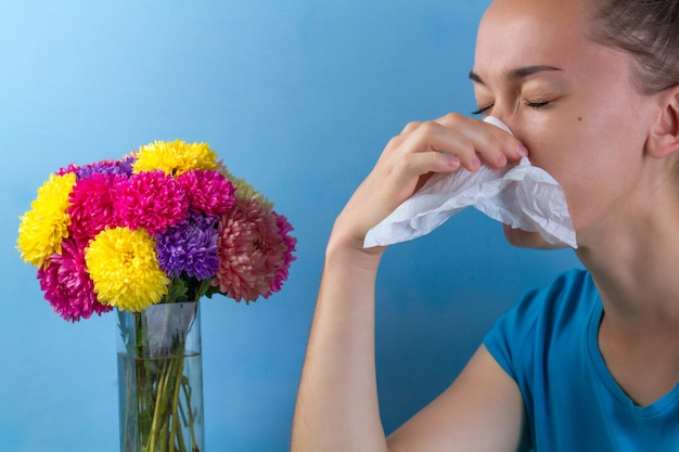 顕花植物および花粉に対する季節性アレルギー