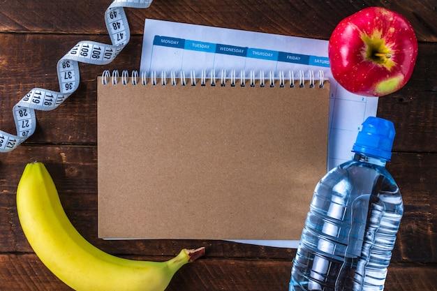 スポーツトレーニングとダイエットのプログラムを作成し、計画します。動機。スポーツとダイエットのコンセプト。スポーツと健康的なライフスタイル。
