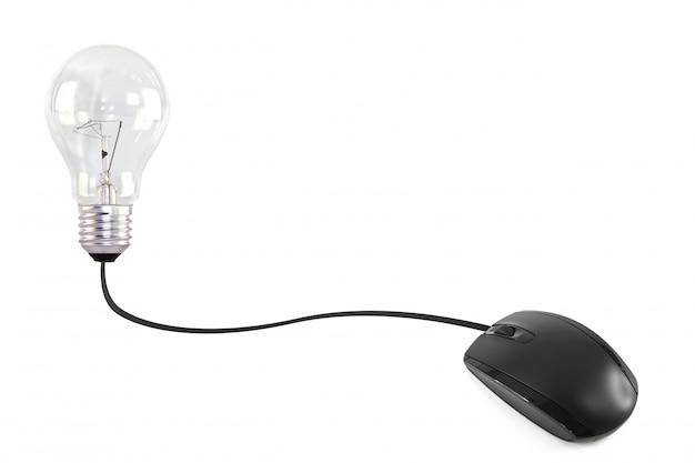 電球に接続されたコンピュータのマウス