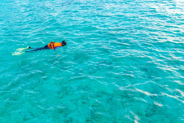 Подводные райские райские женщины