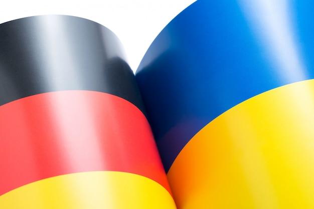 ドイツとウクライナの国旗