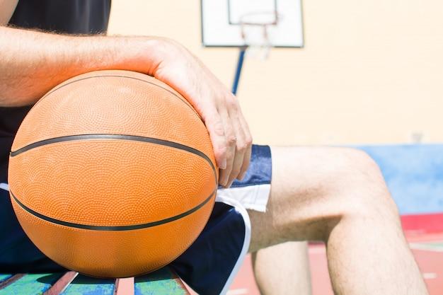 バスケットボールのスポーツ男の肖像