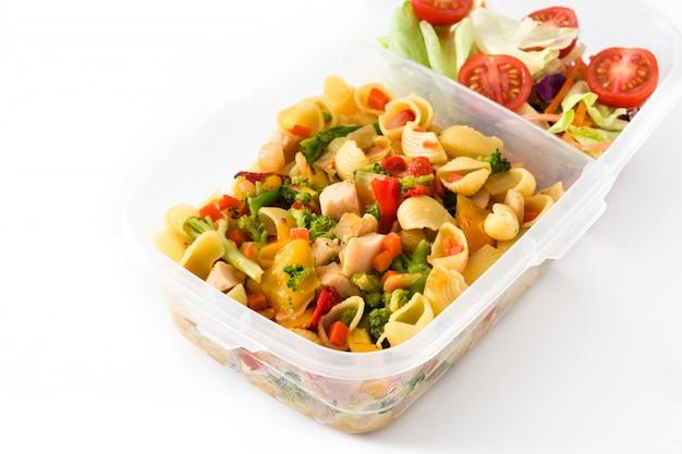 白い背景で隔離の健康食品を食べる準備ができてランチボックス