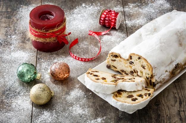 伝統的なドイツのクリスマスシュトーレン