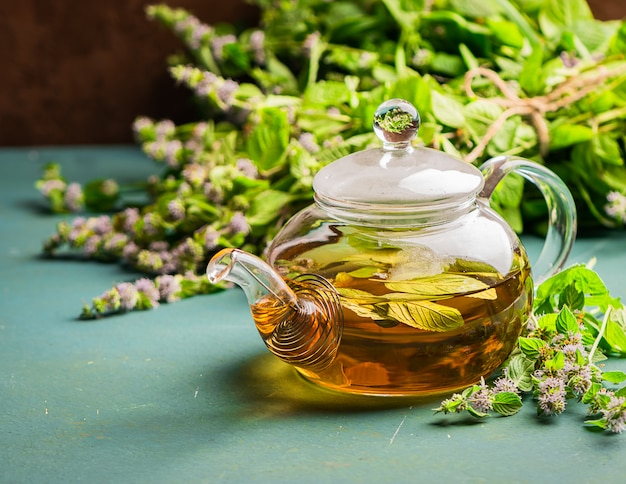 新鮮な葉のお茶