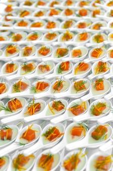 お祝いケータリング、赤魚の小さなカナッペ