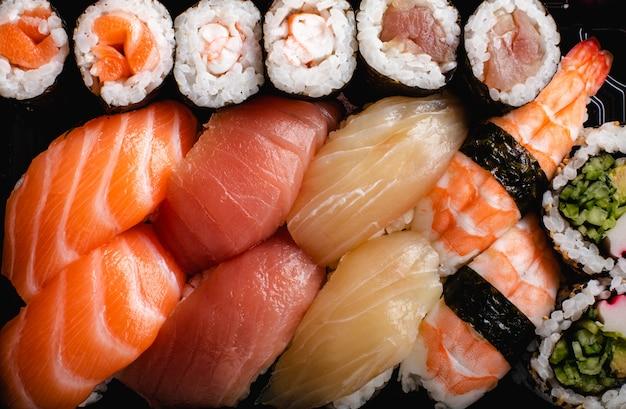 寿司セットを提供しています。寿司の種類