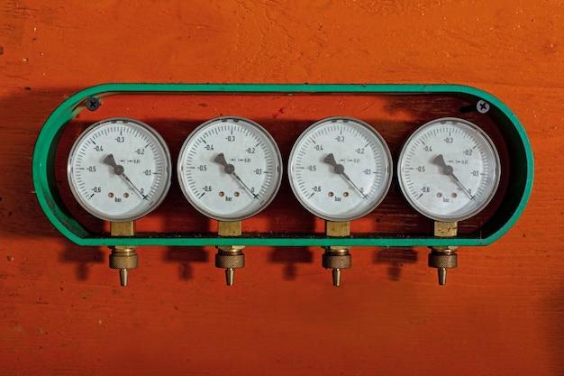 圧力計はガス圧制御用のデバイスです