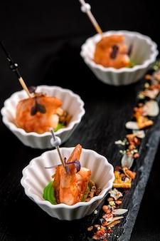 海老の串焼きカナッペ