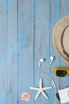 旅行、青い木の夏のアクセサリー
