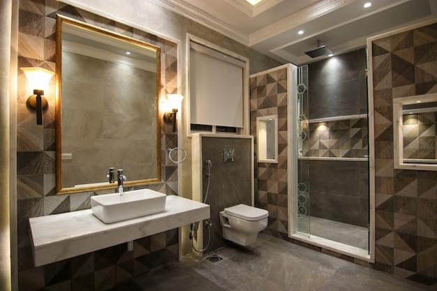 モダンで最新の洗面所