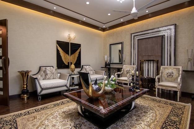 Современная и роскошная гостиная