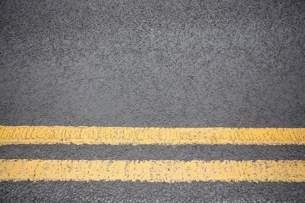 路面上のマーキングイエロー道路