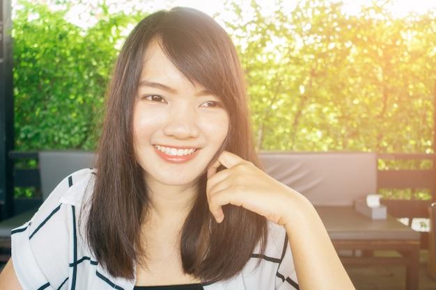 Надеюсь, что улыбка здоровый студент счастье