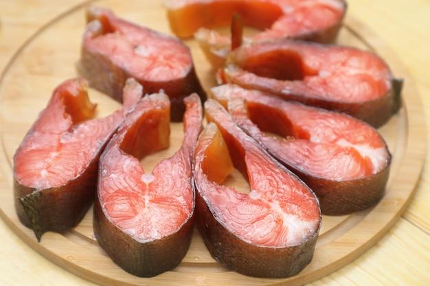 Копченая красная рыба.