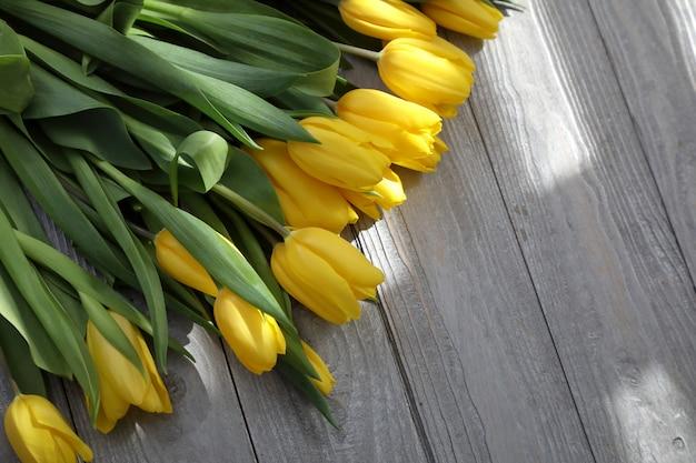 新鮮な春の花。