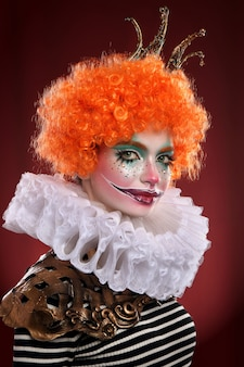 かわいい赤毛のピエロ。