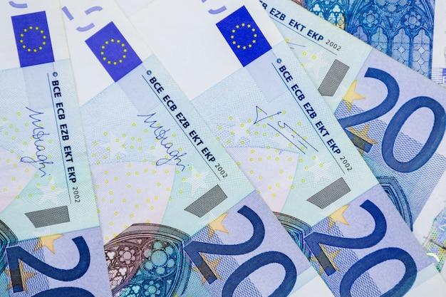 ユーロマネー紙幣の背景