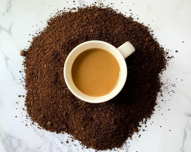 コーヒーカップのトップビュー