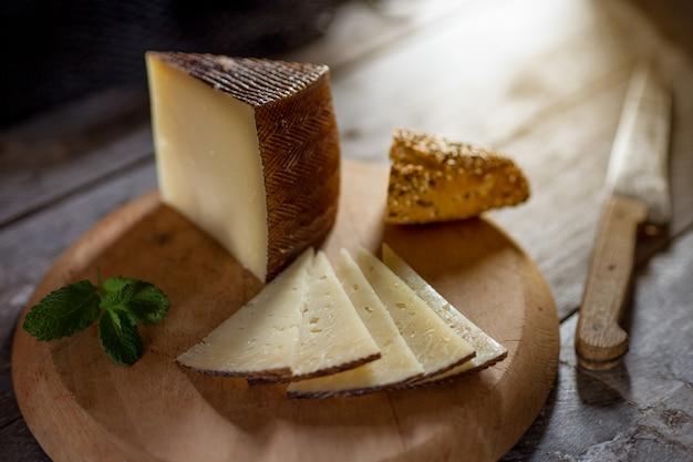 硬化チーズ