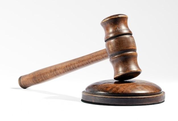 Деревянный молоток, используемый судьей или аукционистом