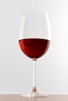 赤ワインのエレガントなグラス