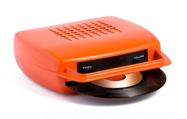 オレンジのポータブルレコードプレーヤー