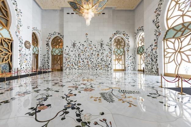 アブダビ発シェイクザイードグランドモスク