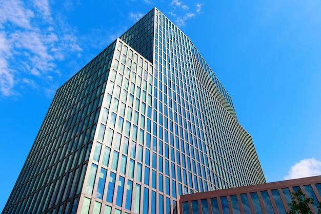 ドイツ、ハンブルクの近代的なオフィスビル