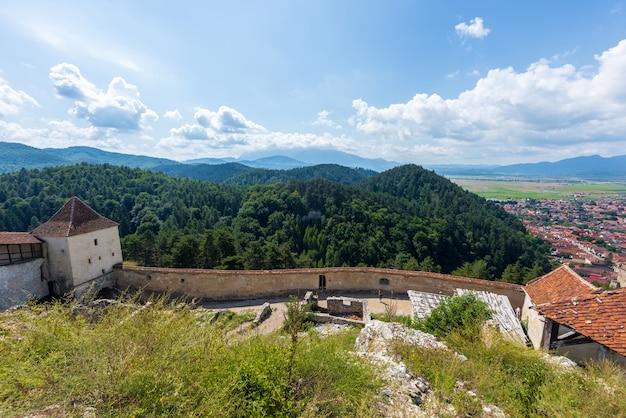 ラスノフ城塞とブラショフ市の古代の防御壁