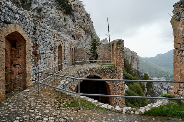都市の古い古代建物