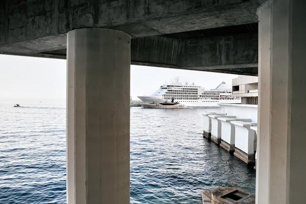 モナコの船とヨット