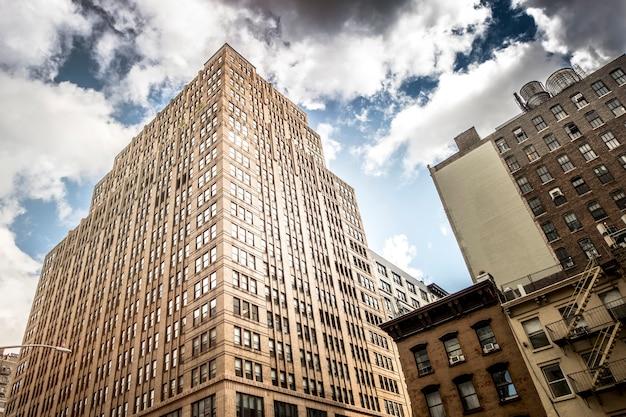 アメリカ、ニューヨークのモダンな建物