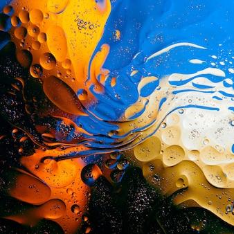 水面上の油滴のテクスチャ。