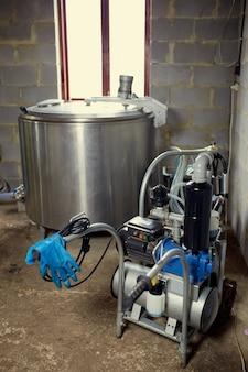 乳生産、酪農、畜産のための機器
