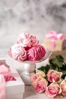 スタンドとベリーの花束からベリーから自家製マシュマロ
