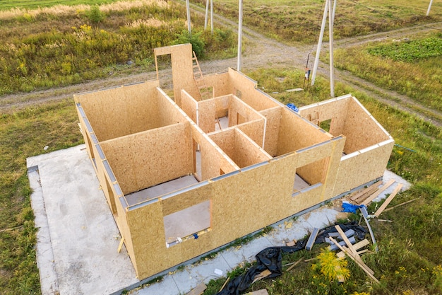 新しいモダンなモジュラーハウスの建設