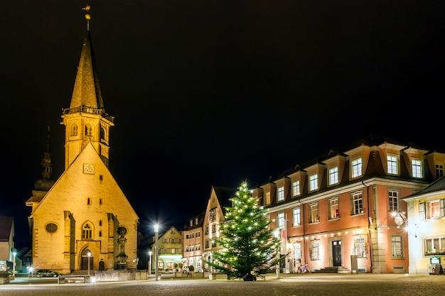 Центр рынка старого города вайкерсхайм, баден-вюртемберг
